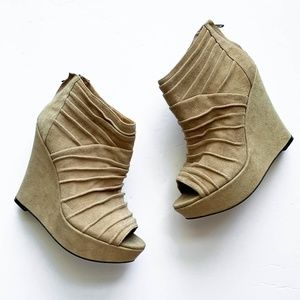 Steve Madden Wesscot Wedge Open Toe Tan Booties